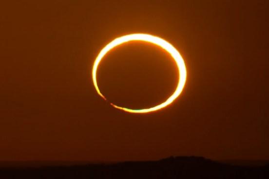 भोर में सूर्य ग्रहण