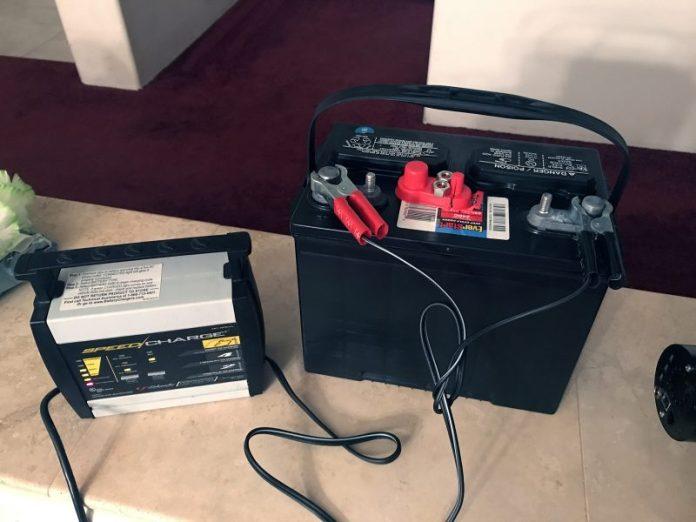बैटरी और चार्जर