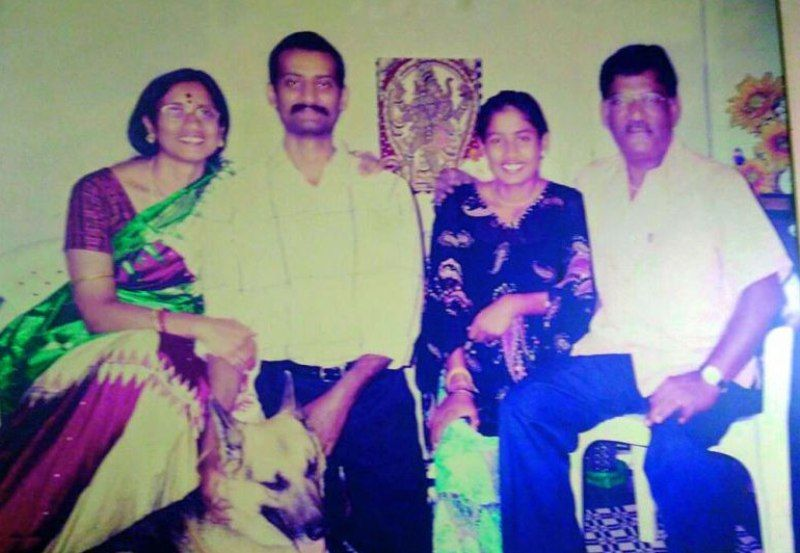 Mithali-Raj-With-Her-Parents-And-Brother-Mithun