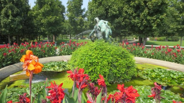 Fountain at Volksgarten