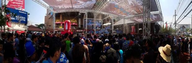 Kad Suan Kaew Mall Stage for Songkran