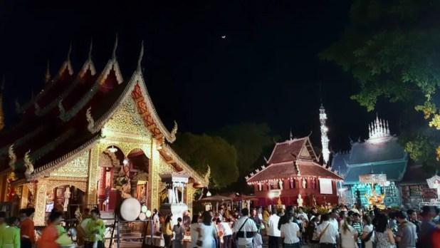 Wat Srisuphan Crowd