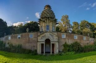 The Dunmore Pineapple HouseThe Dunmore Pineapple House
