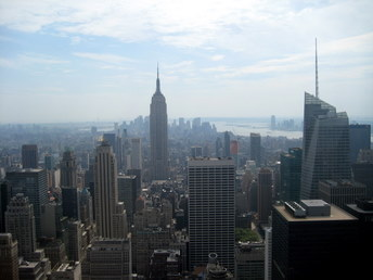 Manhattan - widok na Empire State Building z wieży Rockefellera