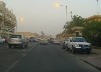 Samolot na horyzoncie! Lotnisko w Doha jest naprawdę w środku dzielnicy mieszkalnej