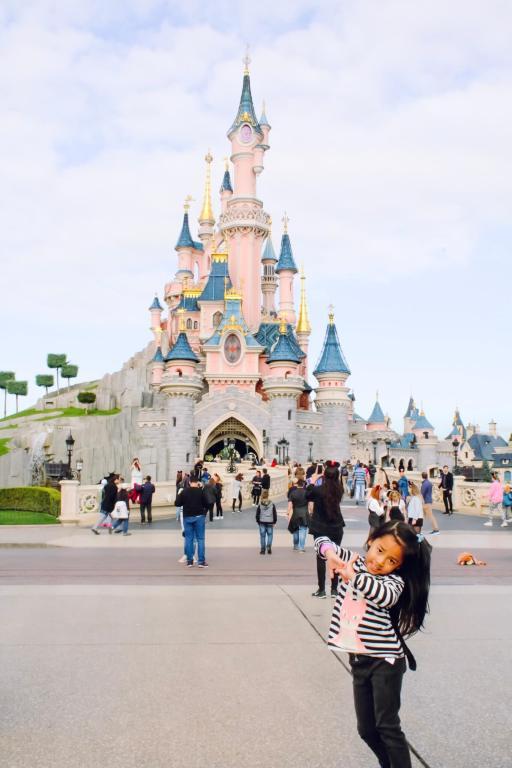 Saison Halloween Disneyland Paris 2019.Ultimate Guide To Disneyland Paris With Kids Skylar Aria S