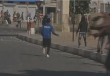 Senegal: police disperse election protest
