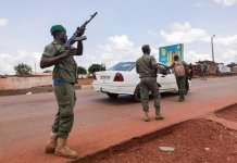 sky news africa Mali soldiers detain senior officers in apparent mutiny