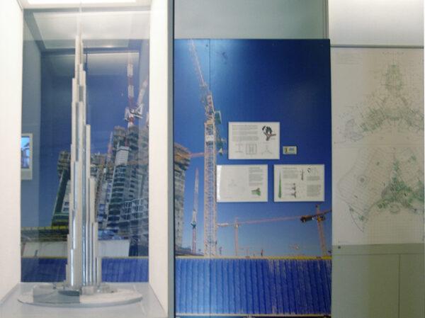 Gallery view of presentation model and floor plans of Burj Khalifa