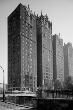 Perspective view of main elevations of Windsor Tower and Tudor Tower of the Tudor City Complex. Photographed after 1933 by Historic American Buildings Survey (HABS)