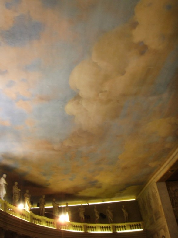 Cloud ceiling Teatro Olimpico