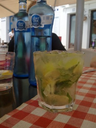 In Europe I mostly drink the house wine because they are always really good and really affordable. But today I just felt Mojito-ish. Tip: Always drink water before and after alcohol so you don't get drowsy sightseeing after lunch.