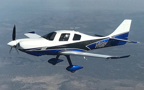 Lancair Mako in flight