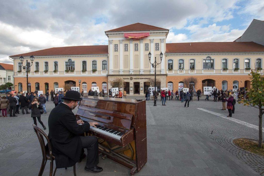 Tamási Áron színház