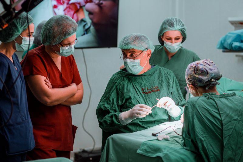 kórházi műtét