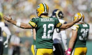 Packers Roll Rams for 4th Straight Win