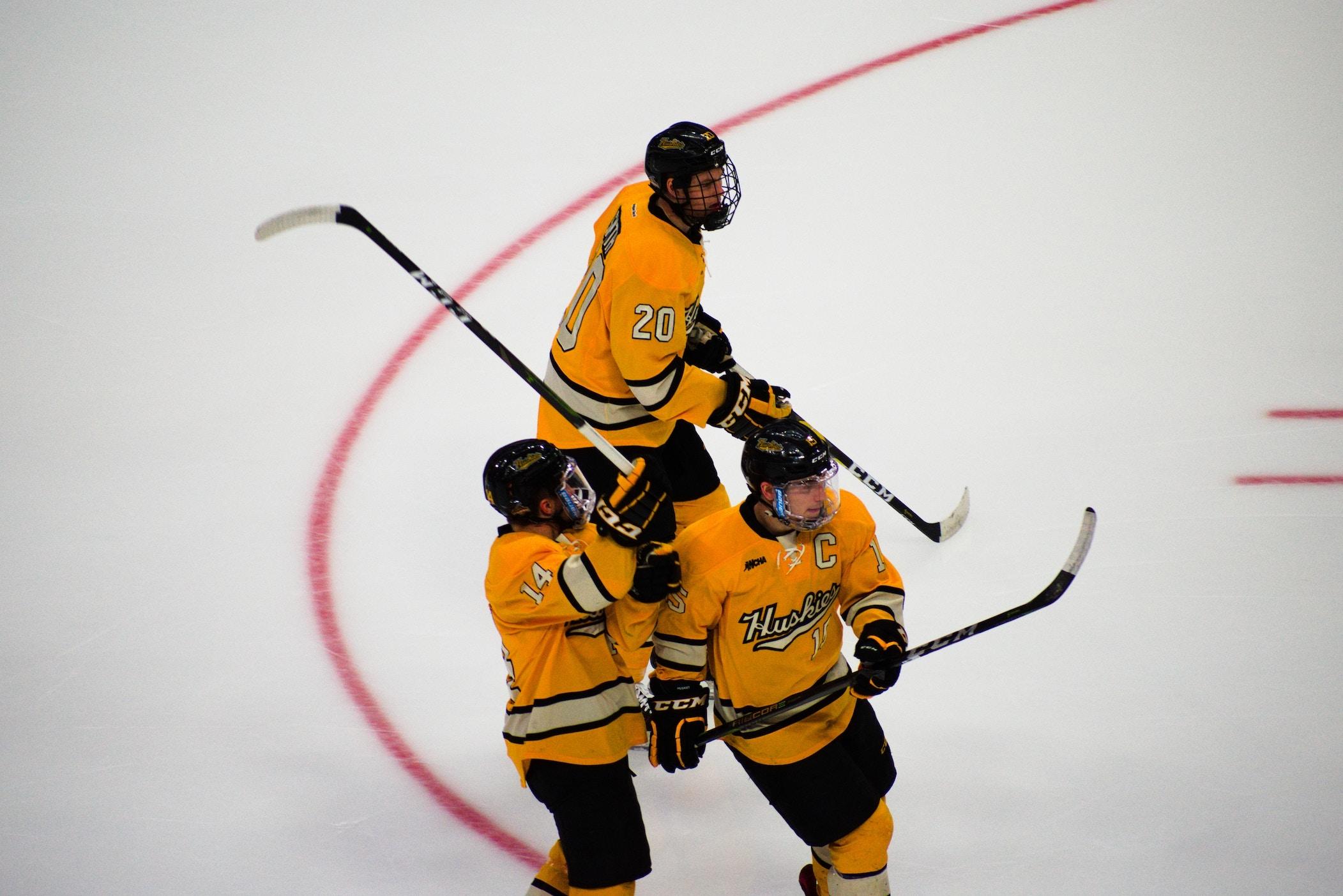 Slapshot-Hockey-3