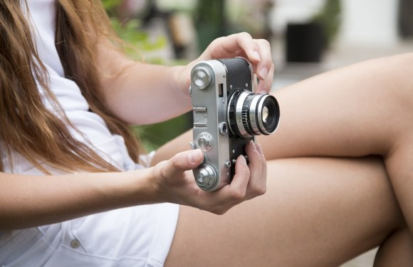 Top 5 Best Digital Cameras Under $200 (Waterproof, Wi-fi, Touchscreen)