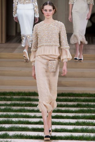 chanel-couture-spring-2016-pfw-18