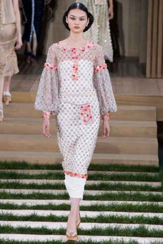 chanel-couture-spring-2016-pfw-24