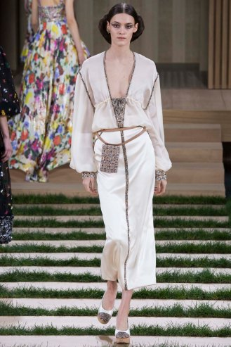 chanel-couture-spring-2016-pfw-36