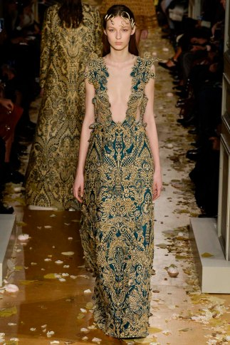 Valentino-couture-spring-2016-pfw-12
