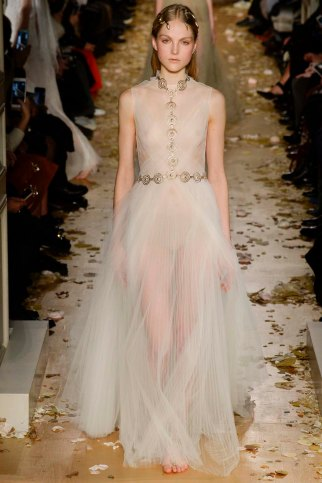 Valentino-couture-spring-2016-pfw-23