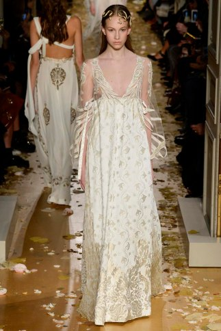 Valentino-couture-spring-2016-pfw-8