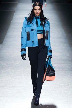 Versace-aw16-milanomodadonna-mfw-womenswear-3