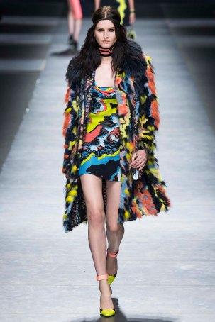 Versace-aw16-milanomodadonna-mfw-womenswear-6