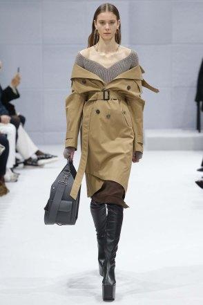Balenciaga-aw16-pfw-womenswear-rtw-7