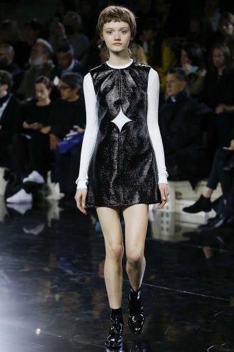 Courrèges-aw16-pfw-rtw-womenswear-12