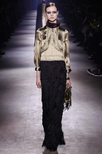 Dries-Van-Noten-aw16-pfw-rtw-womenswear-24