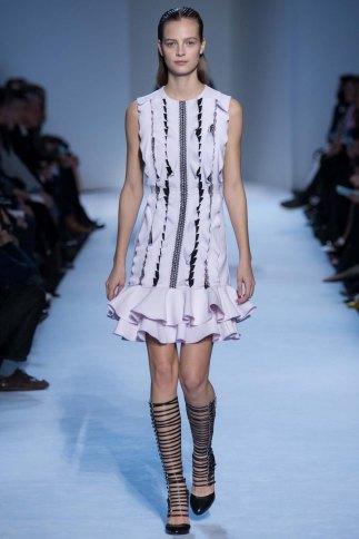 GiambattistaValli-aw16-pfw-rtw-womenswear-13