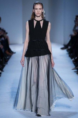 GiambattistaValli-aw16-pfw-rtw-womenswear-17