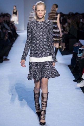 GiambattistaValli-aw16-pfw-rtw-womenswear-7