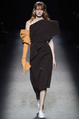 Jacquemus-aw16-pfw-womenswear-rtw-2