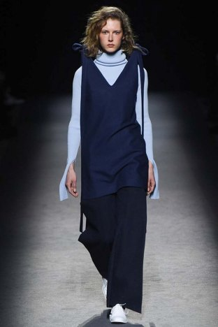 Jacquemus-aw16-pfw-womenswear-rtw-4