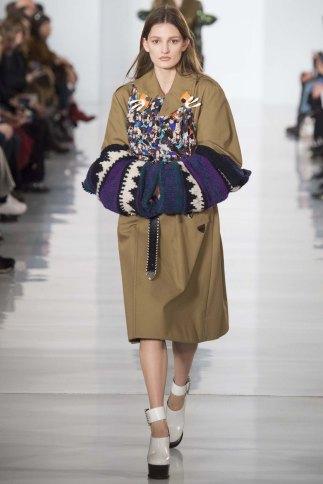 Maison-Margiela-aw16-pfw-rtw-womenswear-1