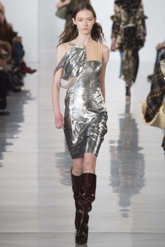 Maison-Margiela-aw16-pfw-rtw-womenswear-12
