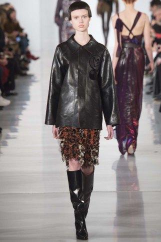 Maison-Margiela-aw16-pfw-rtw-womenswear-15