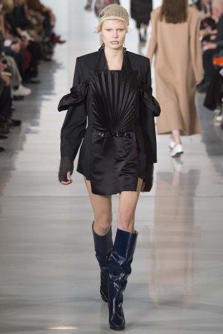 Maison-Margiela-aw16-pfw-rtw-womenswear-7