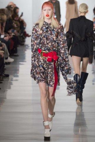 Maison-Margiela-aw16-pfw-rtw-womenswear-8
