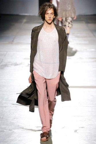 Vivienne-Westwood-spring-2017-menswear-mfw-slashitmag-fashion-17