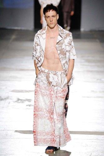 Vivienne-Westwood-spring-2017-menswear-mfw-slashitmag-fashion-20