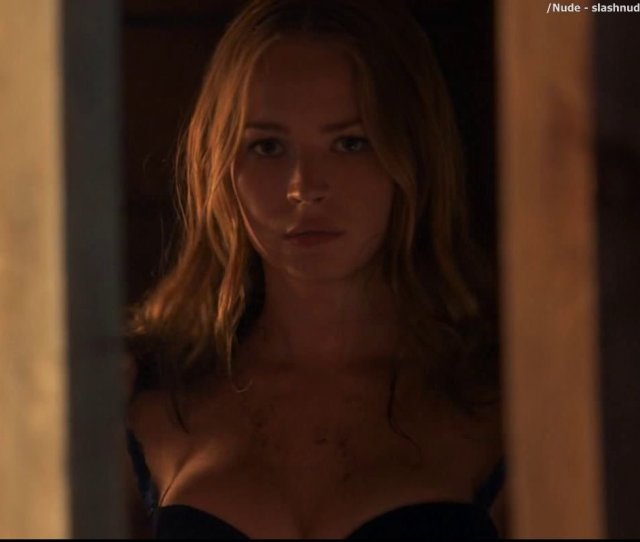 Britt Robertson Topless In The Longest Ride Photo Nude