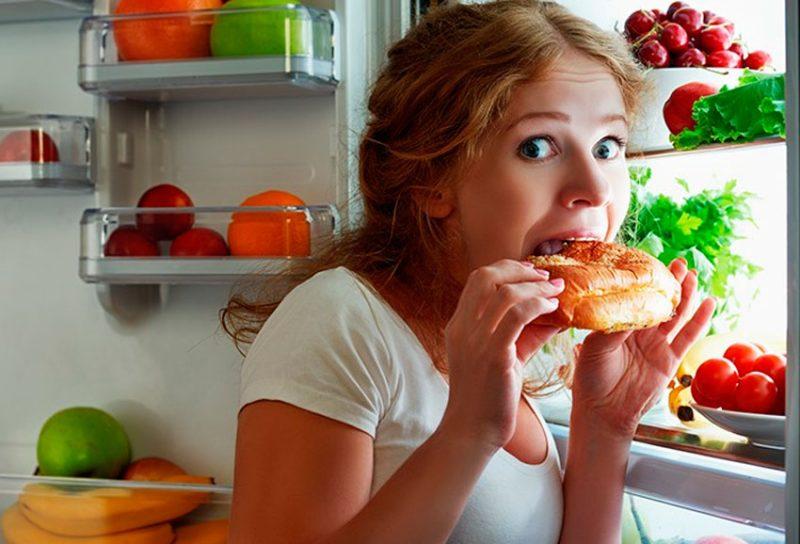害なしに夜に何を食べることができますか