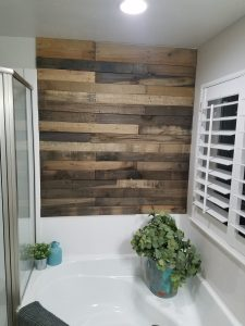 rustic bathroom pallet wall