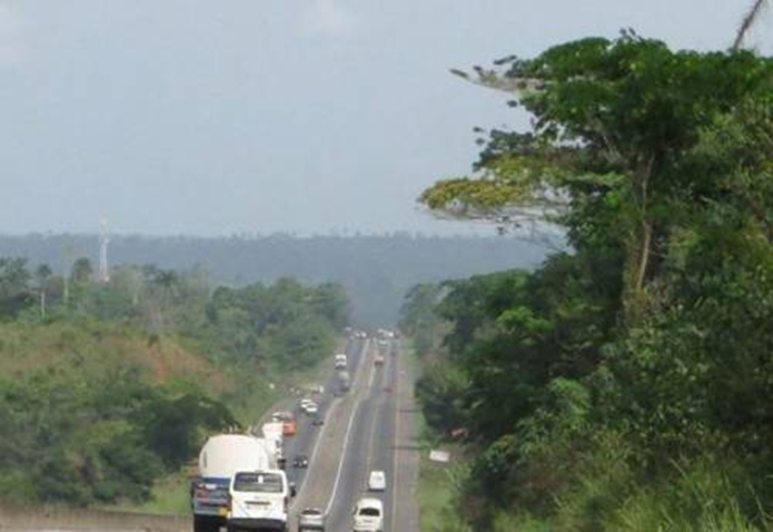Hoodlums Take Over Abuja-Kaduna Expressway, Kidnap Several Travelers
