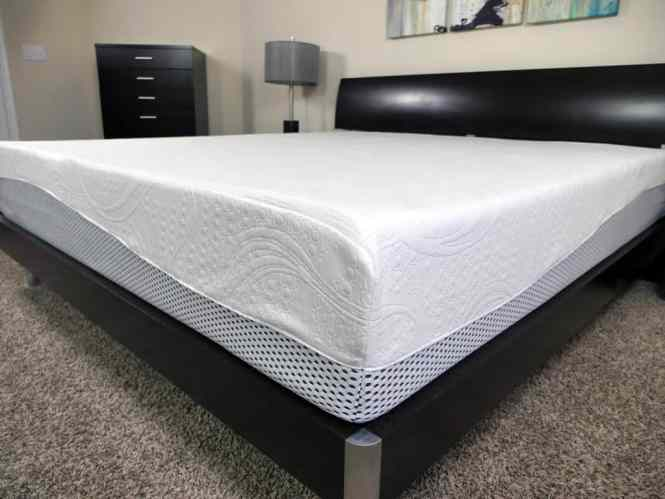 Close Up Shot Of The Zinus Memory Foam Pressure Relief Mattress Cover